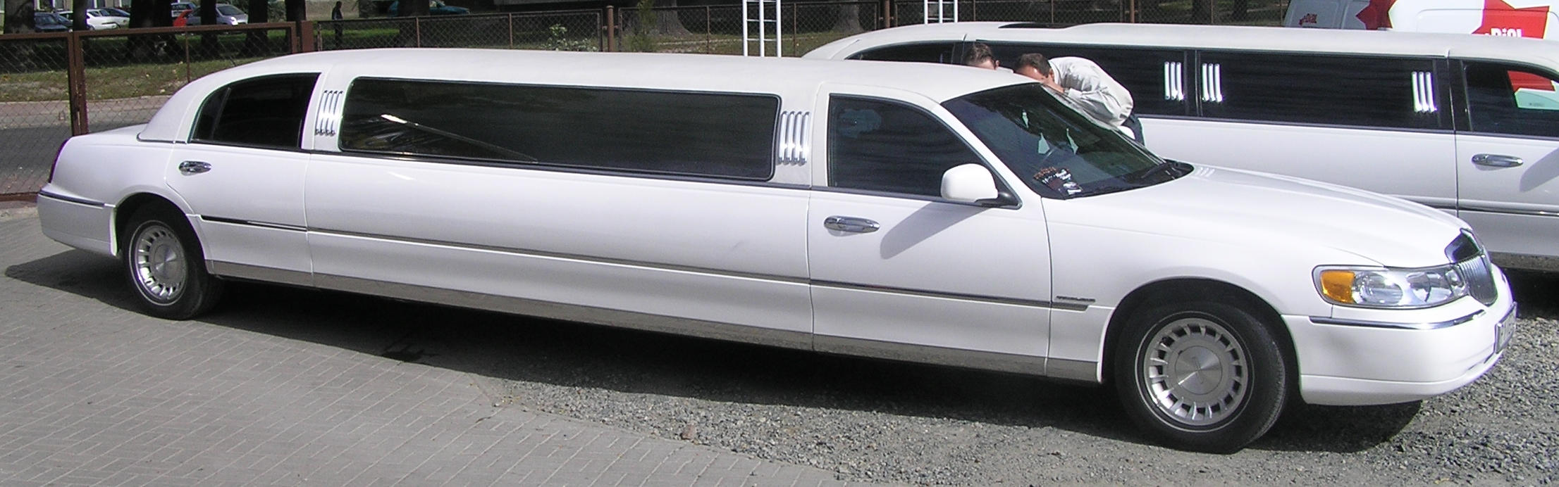 Luxury Limo Rentals in London